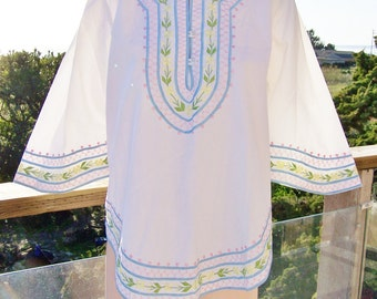 Embroidered blouse, NWT,  deadstock, white embroiderd blouse,  Bell sleeve blouse, Summer blouse,  size M
