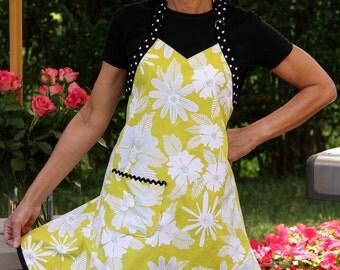 Flirty Hostess Citron Dream Apron -- Yellow, Black and White Floral