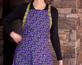 Everyday Flair Violet Dazzle Apron -- Purple and Green