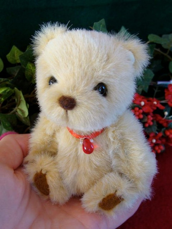 Valentine a miniature artist bear by Loveable Treasures Soft Fluffy Girls Gift Collectable