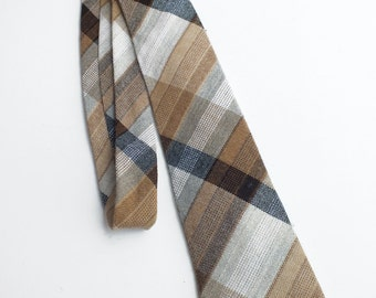 Vintage Seventies Woven Checked Neck Tie Courtelle - French Retro Clothing - Mens French Fashion Accessory - Retro Vintage Check Necktie
