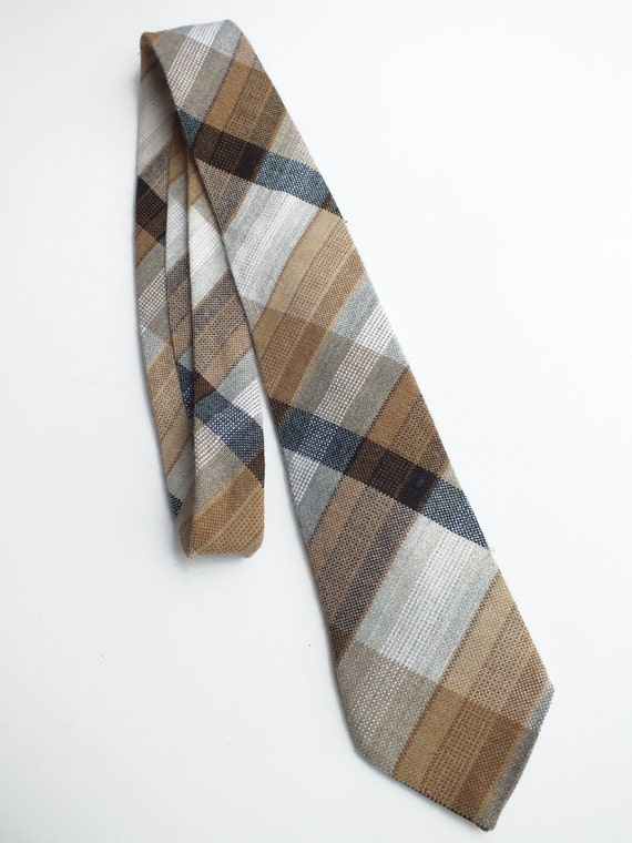 Vintage seventies woven checked neck tie Courtelle, French retro clothing, Mens french fashion, Retro necktie, Check neck tie, Men accessory