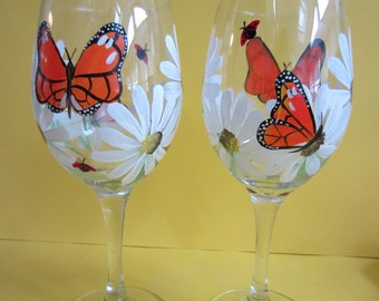 2   Butterfly and Daisy Wine Glasses