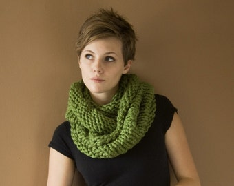 Super Cozy Cowl - Circle Scarf - Infinity Scarf - Choose your COLOR