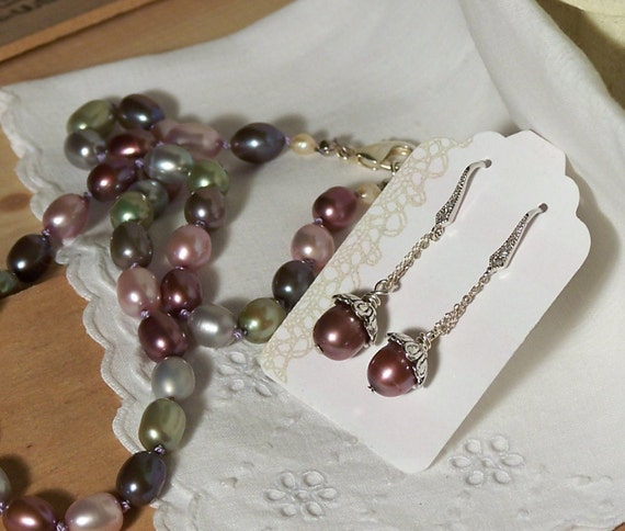 Handknotted Freshwater Pearl Necklace and Earrings Gift Set