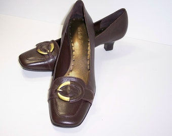 Chocolate Brown Pumps Low Heels Narrow Width 8.5 N, Michelle D Vintage Womens Shoes Narrow