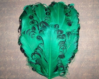 1 Kelly Green and Black Curled Goose Feather Pad