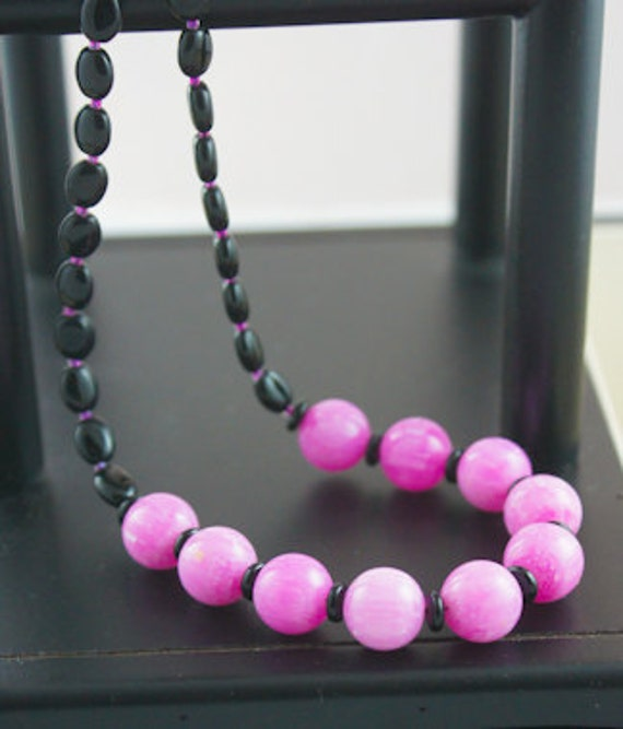 "Handcrafted with Vintage Fuchsia Pink Lucite Rounds, and Black Onyx Ovals and Rondelles 21"" Long Necklace with Sterling Hook-and-Eye Clasp"