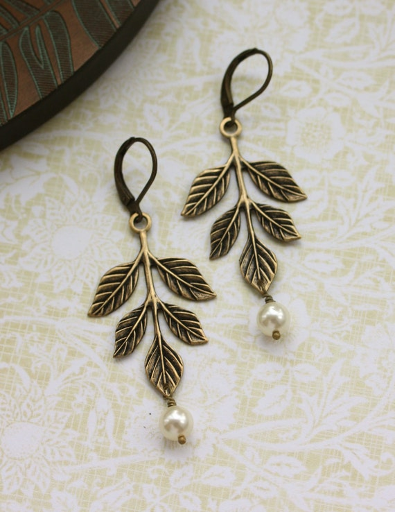 Leaf and Pearls Earrings, Leaves Ivory Pearls Dangle Earrings. Wedding Bridal Jewellery. Bridesmaids Gift, Rustic Wedding, Country Cottage