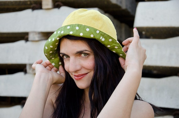 Polka Dot Boho Hat in Yellow Linen and Green Cotton, Reversible Summer Hat