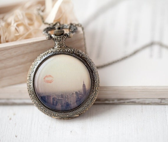 Pocket Watch necklace - New York City - Lover jewelry (PW025)