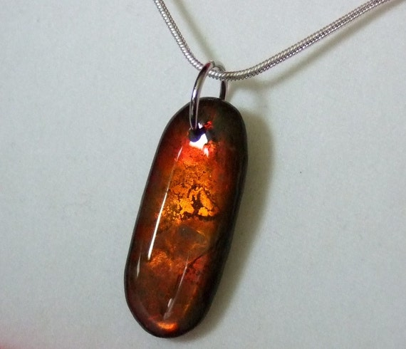 Colour Changer Shifter Ammolite Fossil Gemstone Pendant Necklace Rare Feng Shui High Energy Stone Red Orange Green