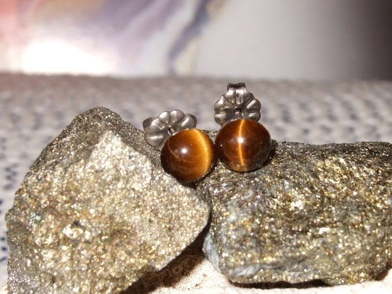 Golden Tiger Eye 6mm Stud Earrings Earings Titanium Posts and Clutches Hypo Allergenic Handmade in Newfoundland Integrity
