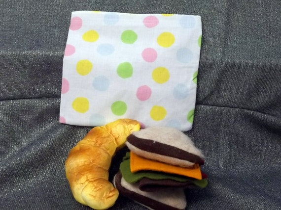 Reusable Sandwich Bag, Multicolor Dots on White Print