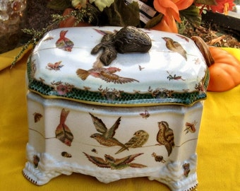 Vintage Pottery Box Strawberry Song Bird
