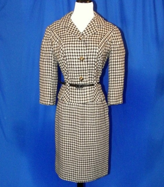 Houndstooth Black and Winter White Sophisticated 1960s Skirt and Jacket Suit Jackie Kennedy