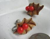 Vintage Holly Screwback Earrings