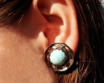Vintage Blue Speckled Cabochon Silver Tone Screw Back Earrings