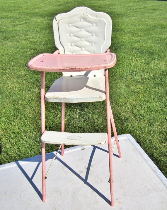 TOY HIGH CHAIR / Amsco / Pink and White Metal  / Vintage