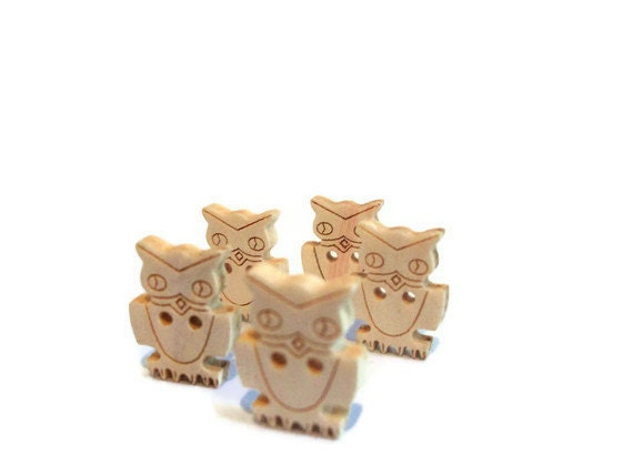 Wood Owl Buttons - Five - Woodland Creature - Natural