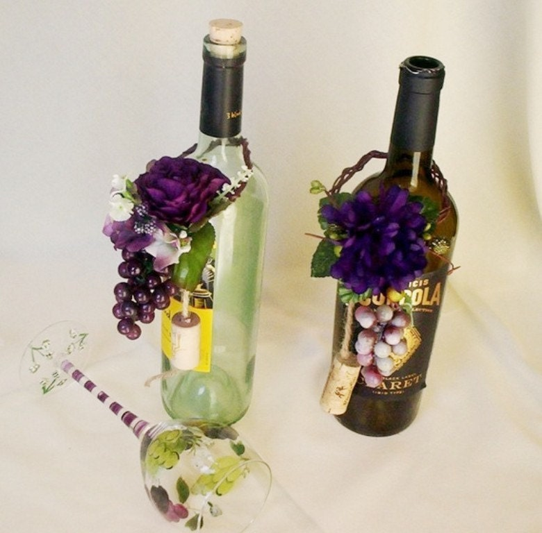 Vineyard wedding wine bottle centerpiece grape purple topper for Using wine bottles as centerpieces for wedding
