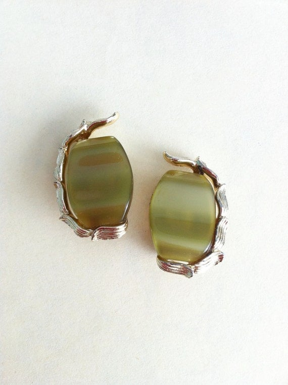 Vintage Earrings Moss Green Moonglow Lucite Clip On