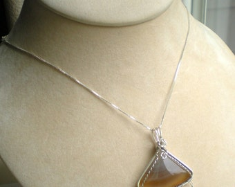 Agate bold sterling silver wire wrapped pendant