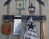CROWS Primitive Peg Rack - Wood - Hand Painted Wood