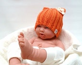 Cute orange Baby Kitty hat - organic cotton - with cream flower - photo prop