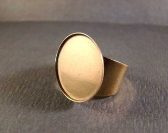 One Antiqued Brass 22mm Round Bezel Ring - Perfect for Resin, Buttons, Cabochons and Your Imagination