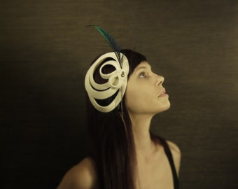 20's Flapper Style Felt Fascinator with Peacock Feather - Zelda - Made to Order