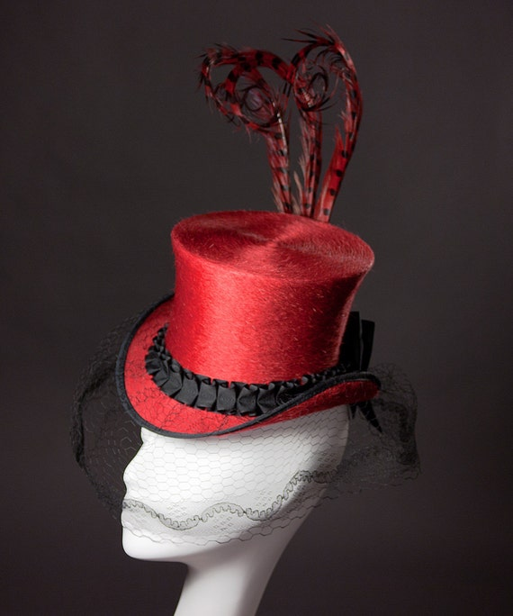 Mini Top Hat Victorian Style in Red