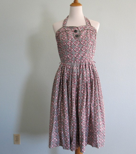 Vintage 1950s Dress - Fabulous Cotton Halter Dress in a Red and Green Medallion Print - 50s Picnic Dress M