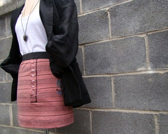 Street chic mini skirt pink and black stripe with buttons elastic waist and original seal - small/medium