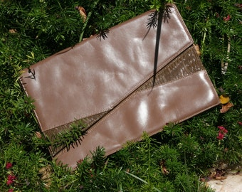 1970s Clutch Purse - Taupe Leather - Evening - Italian Leather Purse - Neutral Color - Jordan Marsh - Made in Italy - Envelope Purse
