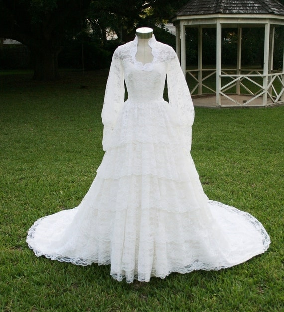 Hopes and Promises - Circa 70-80s - Layered Lace Cupcake - Wedding Dress