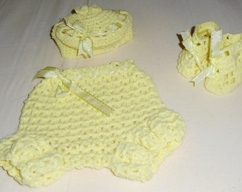 Baby Bloomers Beanie and Booties Set