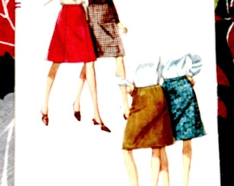 Vintage 60s or early 70s skirt sewing pattern Simp. 6695.  Waist is 26 and Hip is 36 inches.