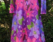 xTALL Romantic 60s / 70s ladies floral maxi gown, extra long dress for small build, 1960s 1970s