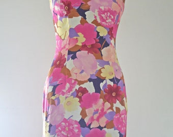 POPULAR // pink and lavender floral fitted 90s dress XS / S