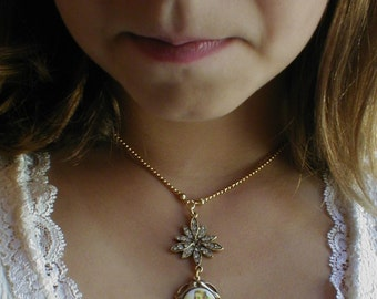 Victorian gift  from Lewis Carroll Alice in Wonderland StarBurst Necklace