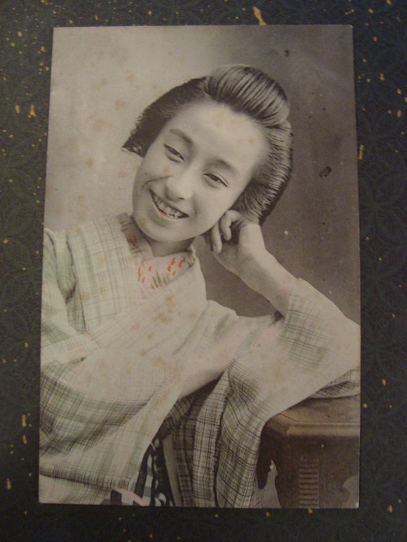 Vintage Japanese Girl in Kimono Big Grin postcard