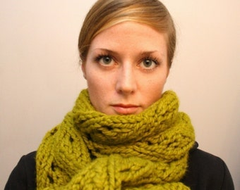 KNITTING PATTERN // Beatrice scarf // super bulky lace -- PDF