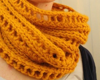 KNITTING PATTERN // Begbie Cowl // lace rib circle scarf -- PDF
