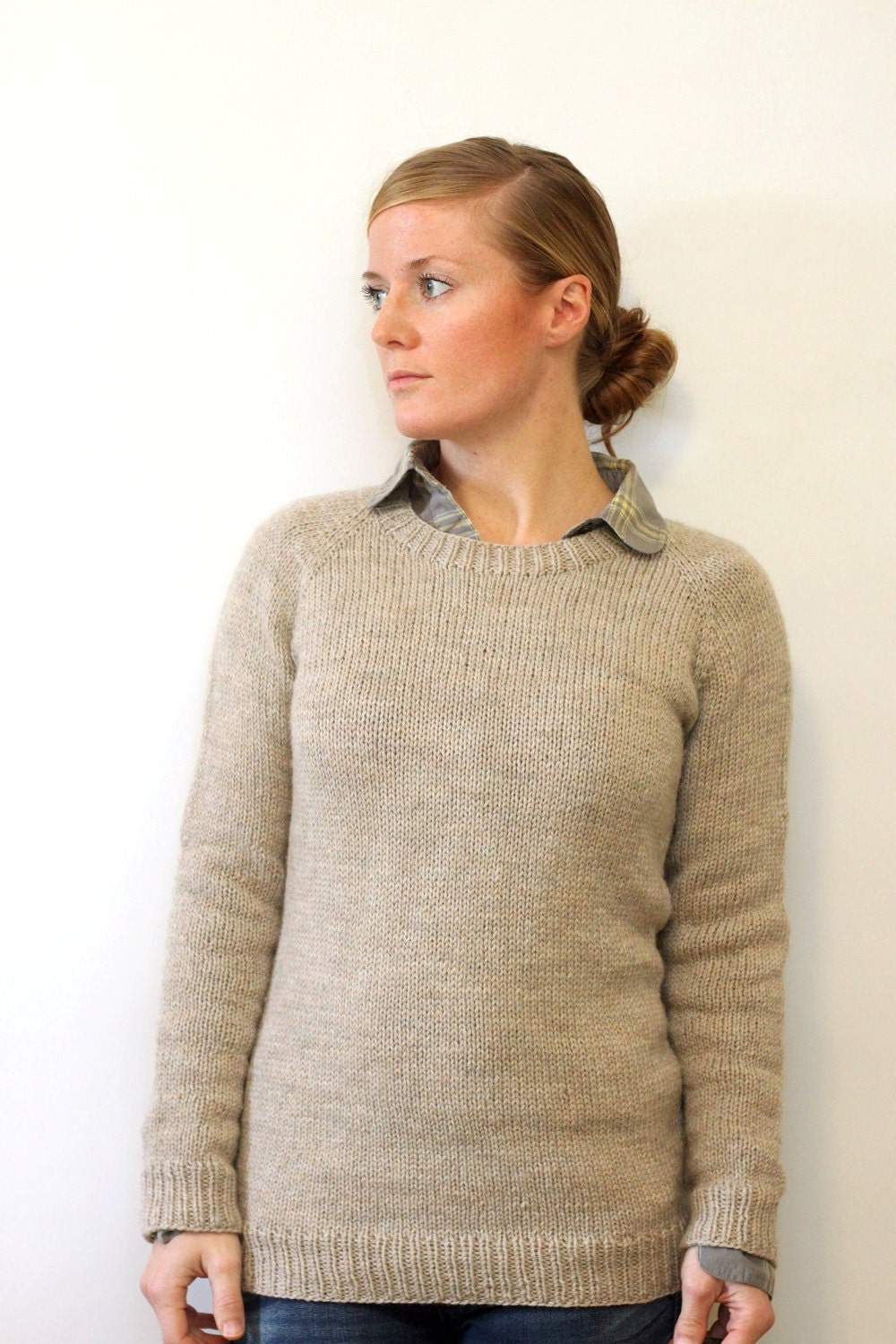 Ladies Knitting Patterns : KNITTING PATTERN // Ladies Classic Raglan Pullover // top down