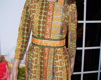 Sweet Vintage Dress PSYCHO BILLY   by   'Bleeker Street.  Long Sleeves Mod  Dress Women's