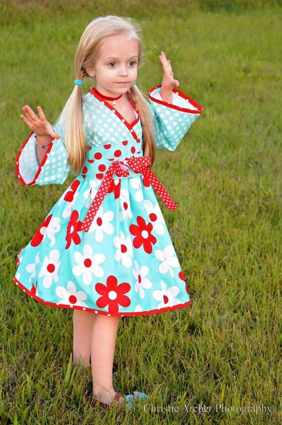 SALE   Girls Kyoko Dress, Daisies in Aqua, by SunLoveShirts