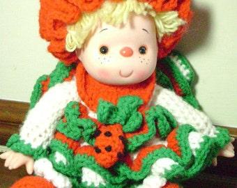 VINTAGE Strawberry Shortcake doll, Handmade by Auntie for little girl in the 80s, Strawberries, Red and Green, Christmas Colors