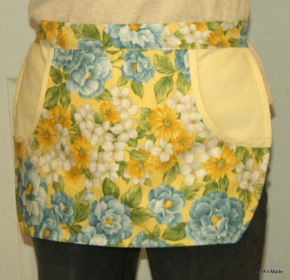 Clothespin Apron, Practical Pocket Apron. Yellow, Blue and White Floral