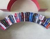 Arc metal bookshelf